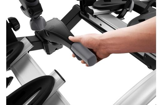 Den stabila dragkrokskopplingen gör det enkelt att montera och justera cykelhållaren innan den låses fast med spännhandtaget