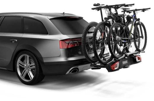 Lastkapaciteten kan utökas till tre cyklar med hjälp av Thule VeloSpace XT Bike Adapter